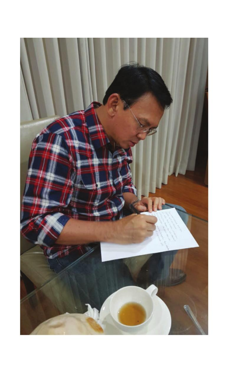 Preview of PDF document a-man-called-ahok.pdf